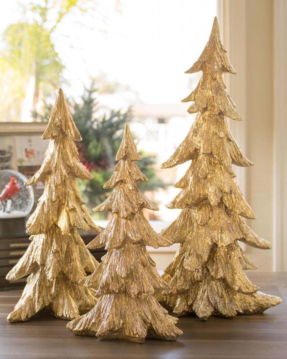 balsam-hill_golden-christmas-tabletop-tree.jpg