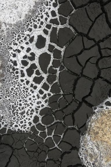 cracks1.jpg