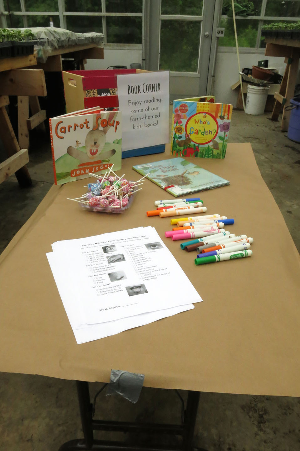 Farm Picnic_scavenger hunt table.jpg