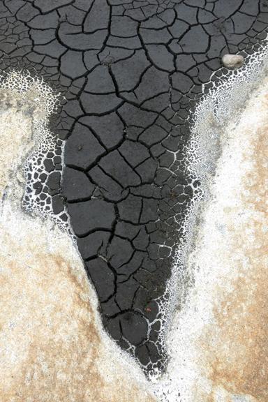Fogo Island Cracks :: 3