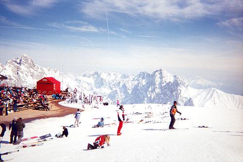Zugspitze skiing