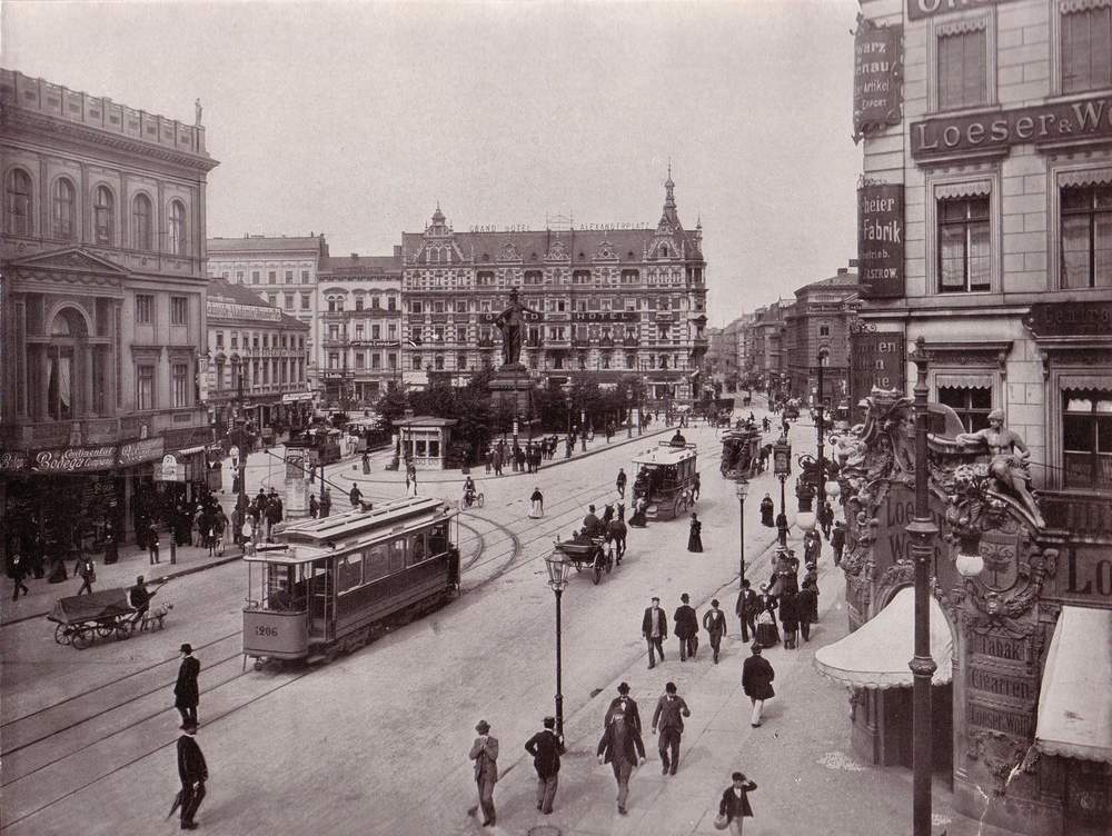 This beautiful photo of Alexanderplatz was taken not long before 1914.