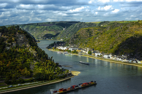 Loreley. The beautiful and frightening rock.