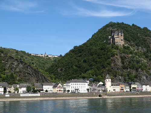 Enjoy small towns near the Loreley like Katz.