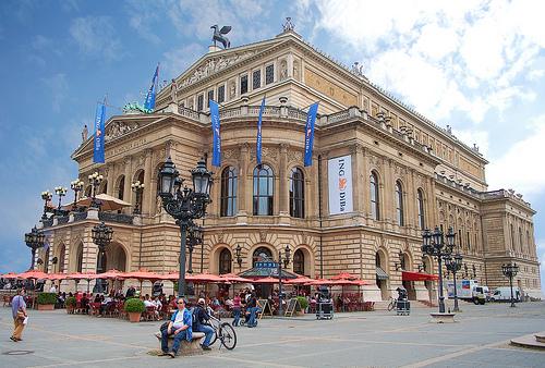 Alte Oper rebuilt in Frankfurt