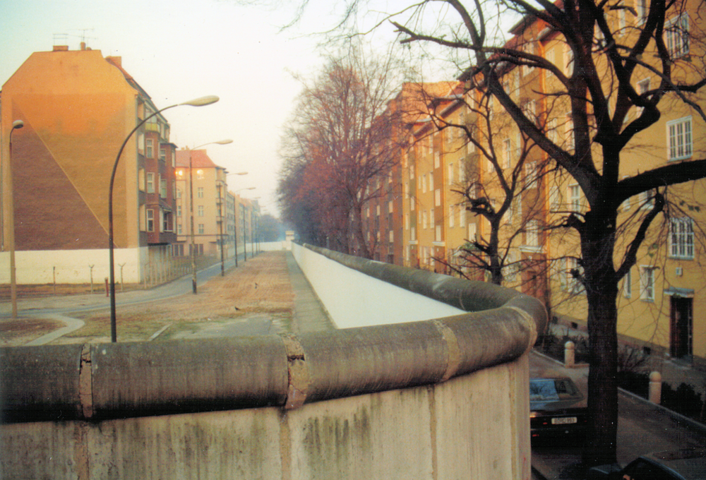 Some streets were split in two, like here at Bouchéstraße/Harzer Straße