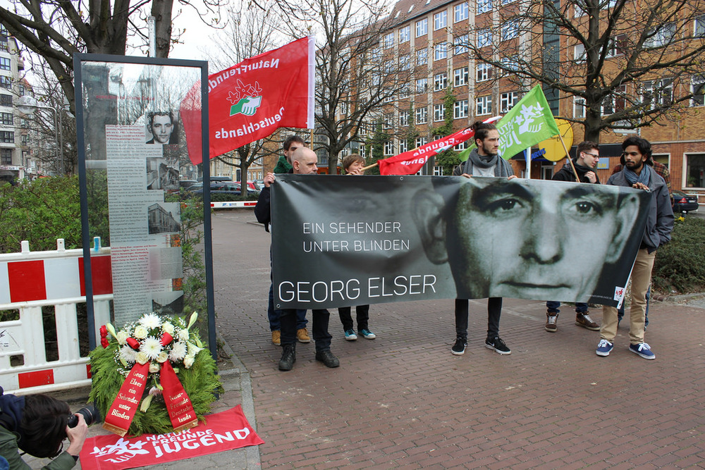 Ceremony honoring Georg Elser.