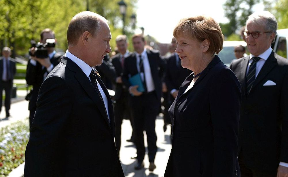Merkel and Putin commemorated the end of WWII