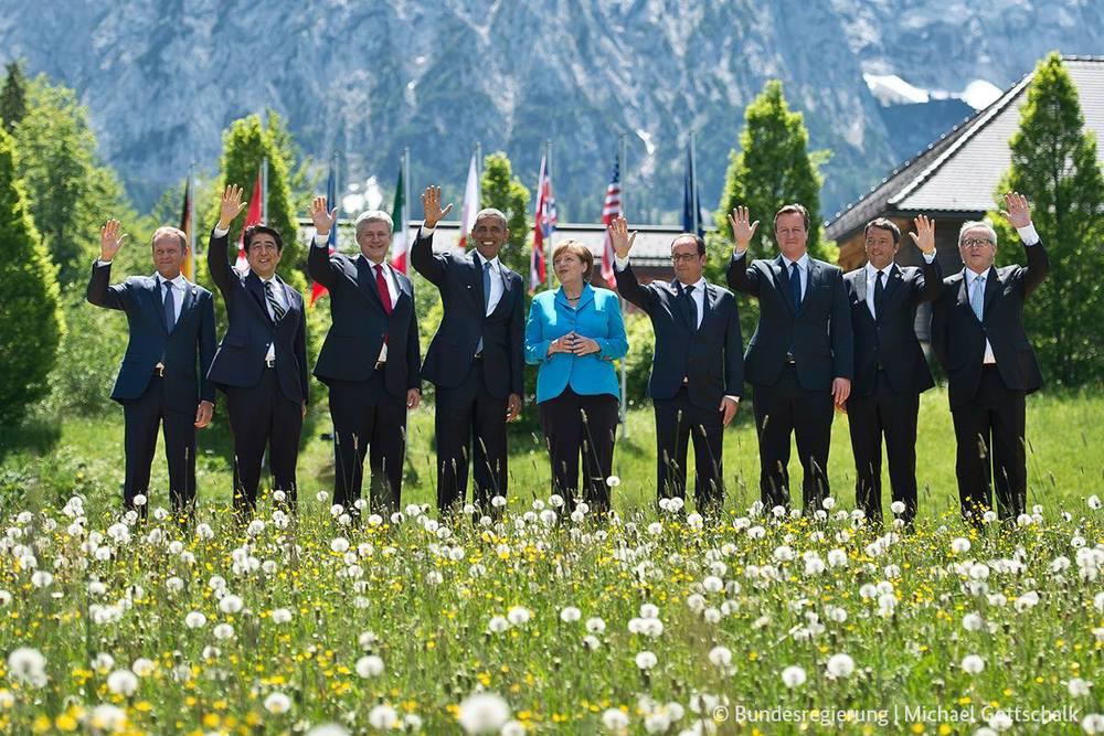 G7 Family Photo.