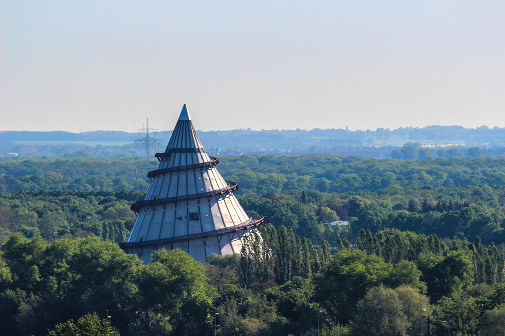 The top of the Jahrtausendturm offers an excellent view of the Magdeburger Elbauenpark.