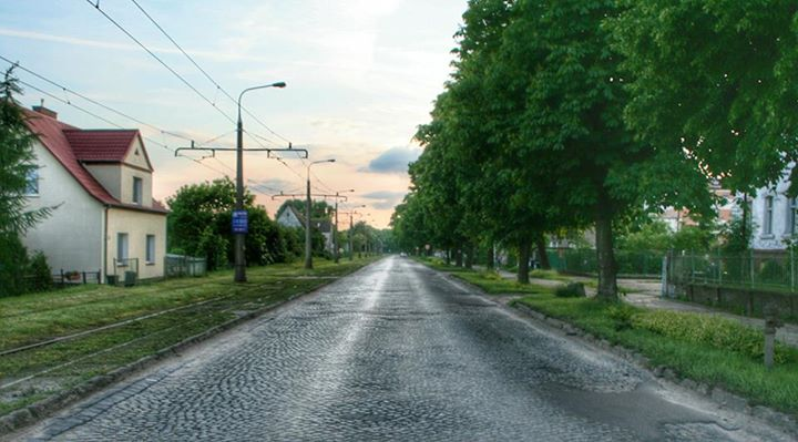 On the R1/B1 between Küstrin and Landsberg the road remains preserved in its original condition: cobblestones!