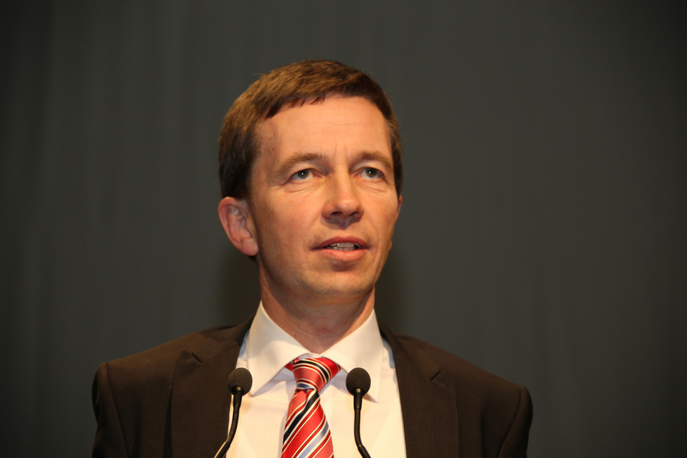 Bernd Lucke leaves Germany's AfD political party.