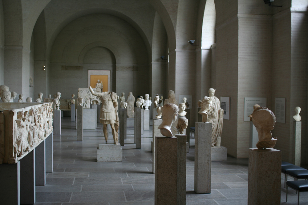 Halls of ancient statues in Glyptothek