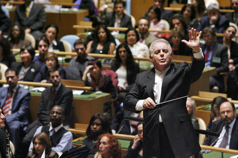 Daniel Barenboim wants to take the Berlin orchestra to Iran. This is not sitting well with Israel.