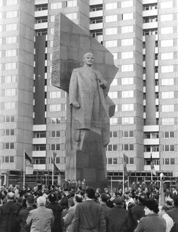 The Lenin statue as it originally stood