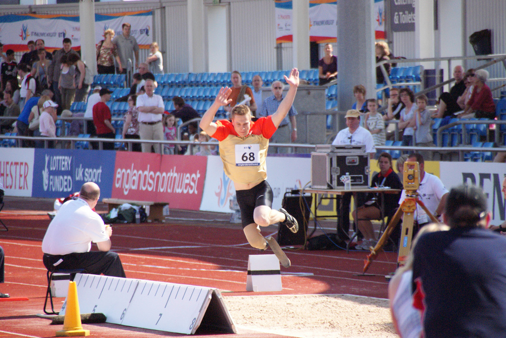 Markus Rehm sets new long jump world record.