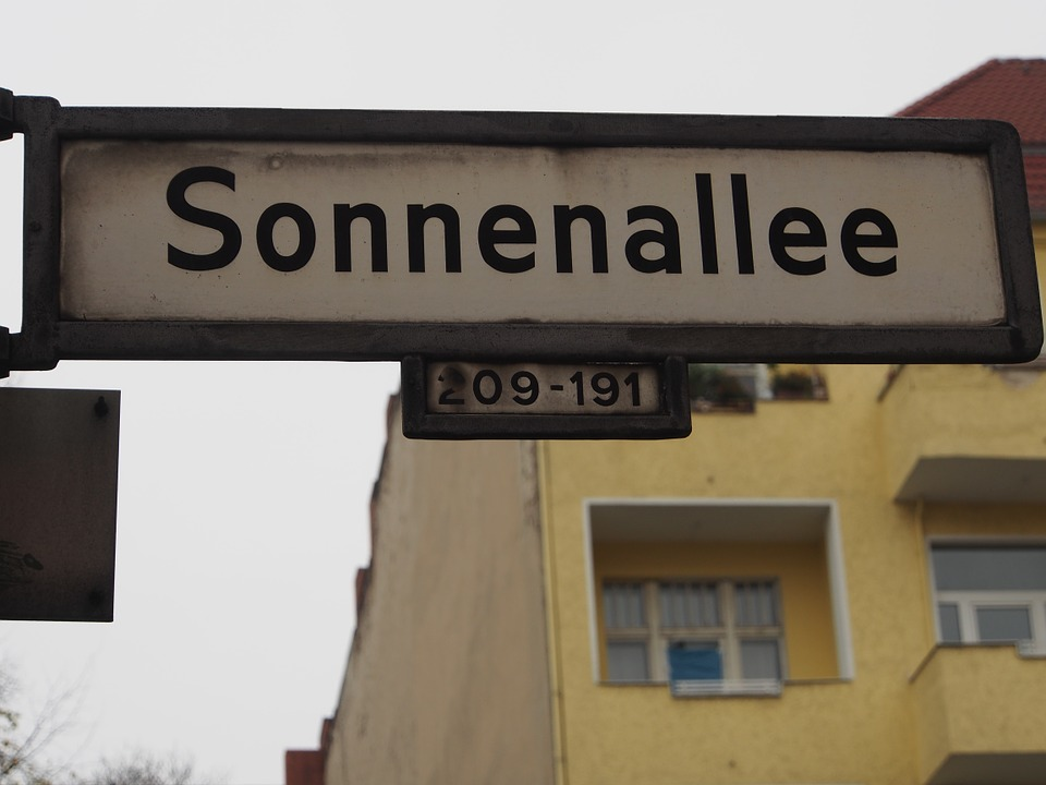 sonnenallee-673033_960_720.jpg