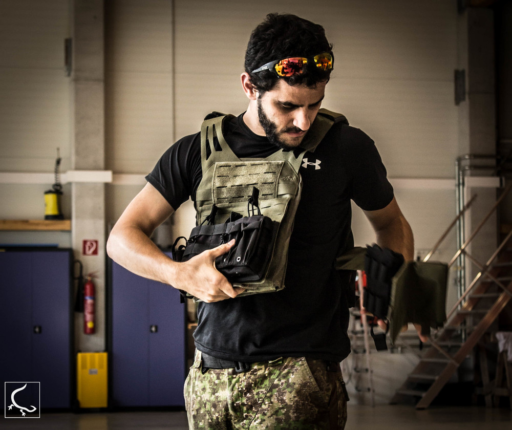 Founder of Project Gecko checks out the TT LC Plate carrier
