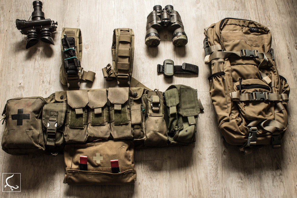 Important - the chest rig is completely modular. it comes with no pouches. pouches in the picture are pre configured.