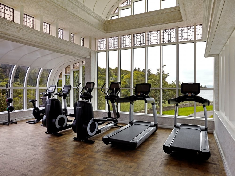 The spa also has its own gym with floor-to-ceiling windows, lots of fitness equipment, and personal trainers guests can reserve.