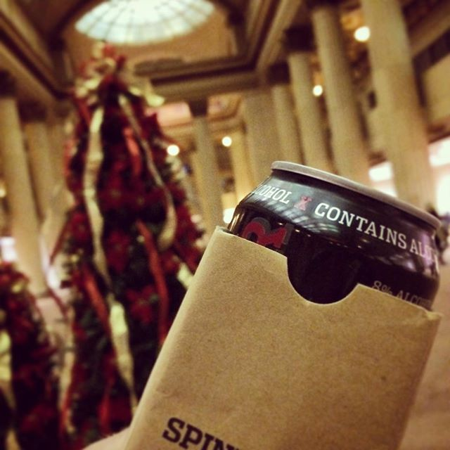 Cleveland Winter Wine & Ale Fest! Drink Cleveland's own Spindoktor #hardrootbeer inside the historic Huntington Bank Rotunda! #thisiscle #beer #craftbeer #holidayparty @clebeerdist