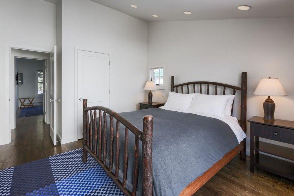 924 Main Bedroom 1.jpg