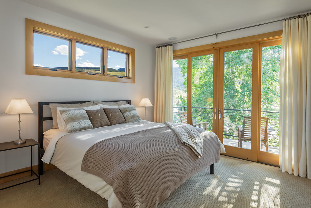 568Taylor-Master Bedroom.jpg