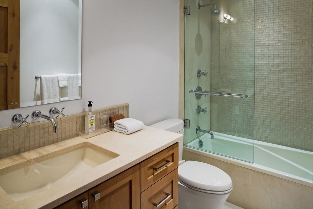 568Taylor-Guest Bathroom 1.jpg