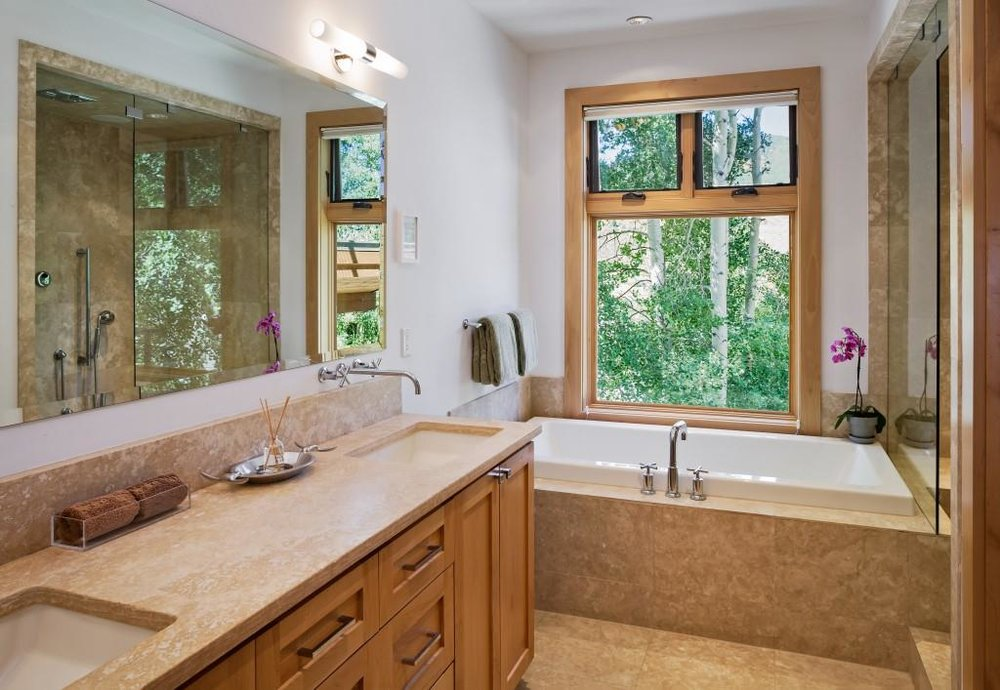 568Taylor-Master Bathroom.jpg