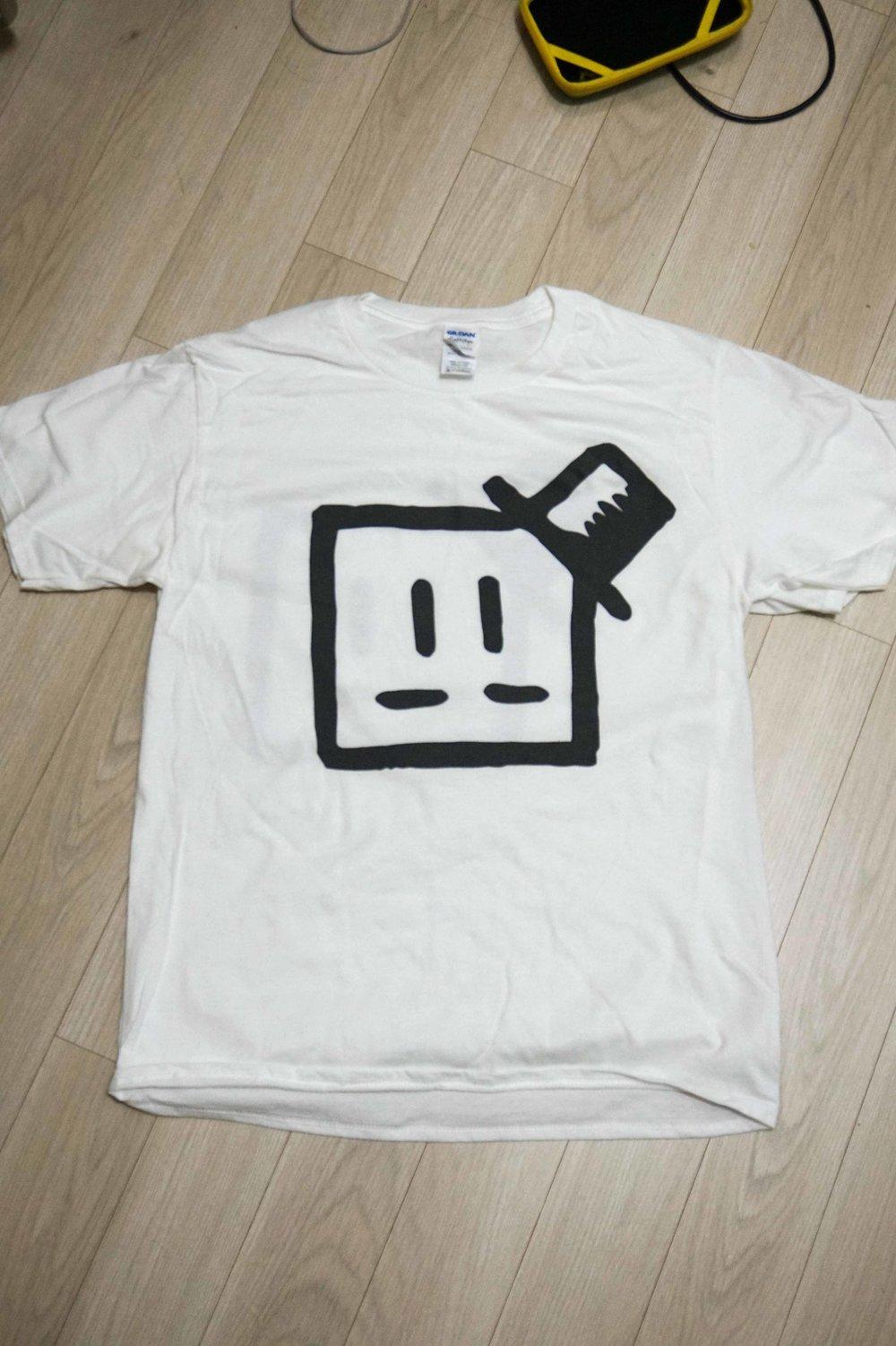 tshirt pic2.jpg