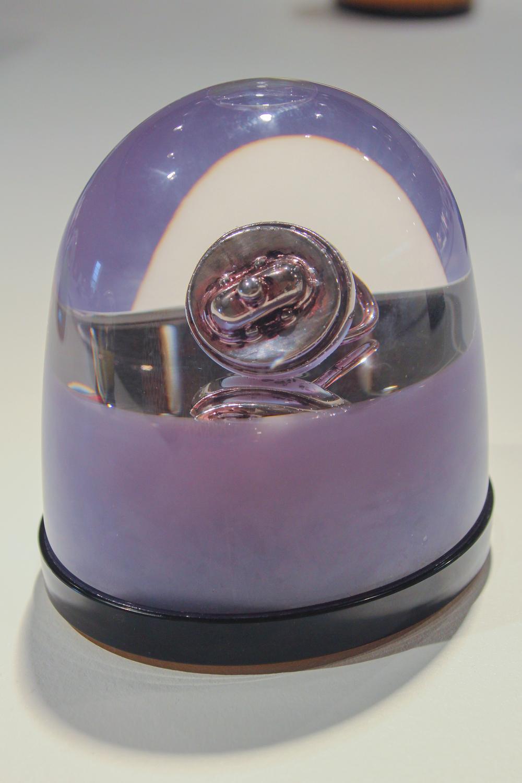 """Hand Buzzer Globe"""