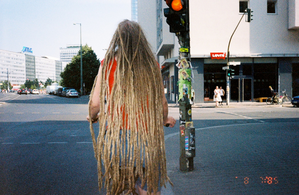 The longest dreads I have ever seen belong to a white person, 2015