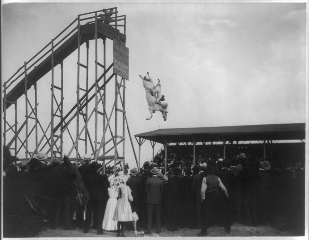 The daring ride of Mrs. Eunice (Winkless) Padfield, July 4th 1905. Holmboe, C.E.