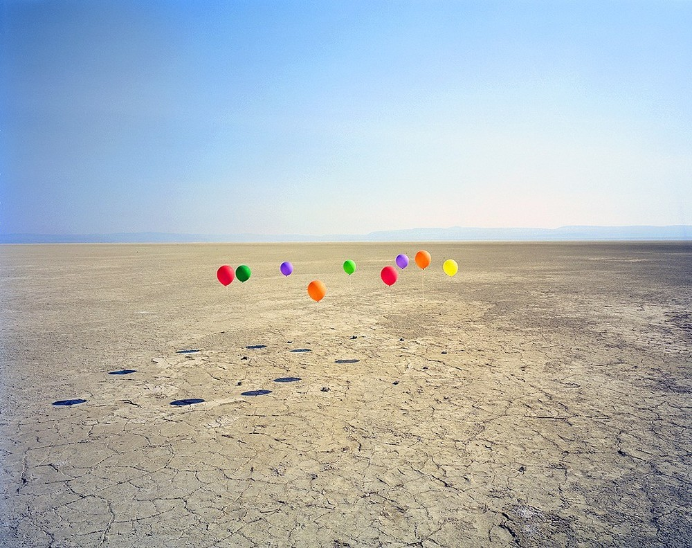 Circle of Balloons, 2015. © Adam Ekberg