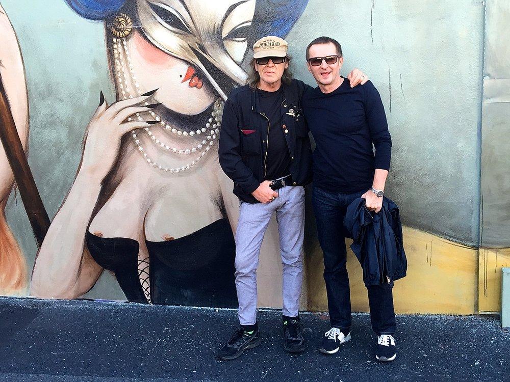 Bei meinen New York Besuchen bin ich immer mit meinem Freund, Oberexperten und Durchblicker Guenter unterwegs. Durch seine Geschichten, Wissen und Leidenschaft fuer seine Stadt reisst er uns alle mit. Udo Lindenberg