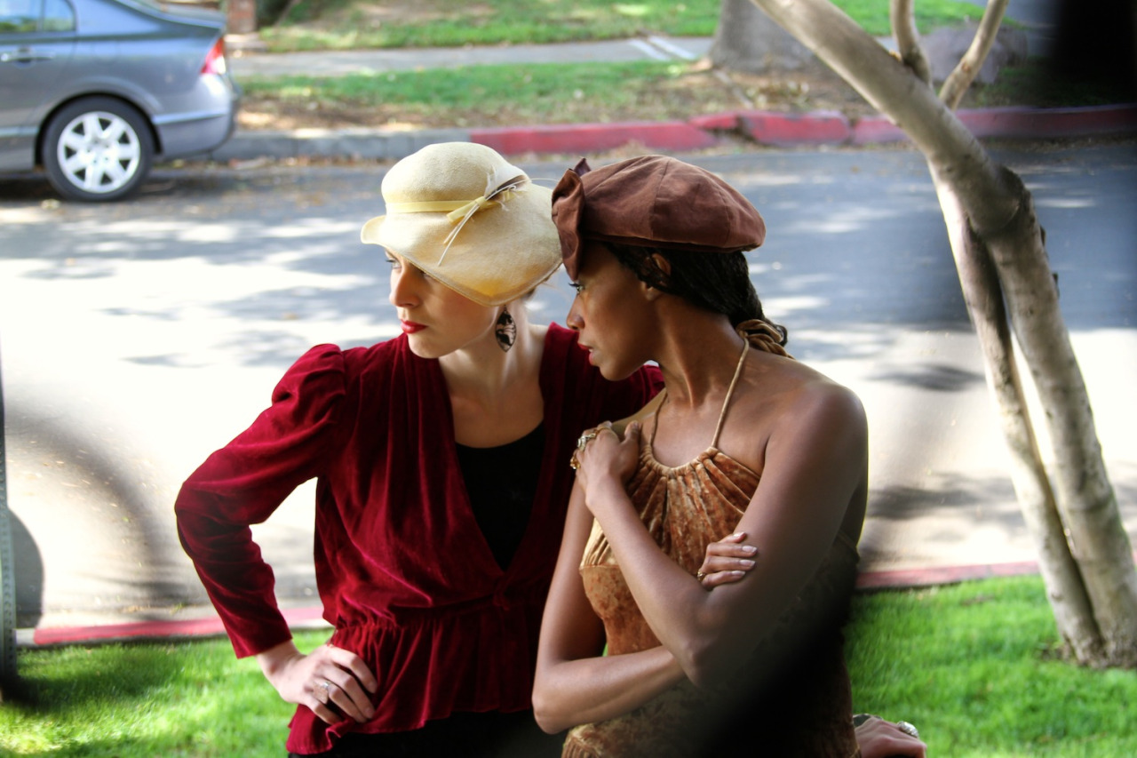 The Model (Nikki Bohm) & The Mistress (Tatiana Williams)   Photo by  tajnatanovic     http://www.theatertas.com