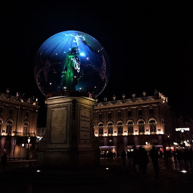 """The 2017 reboot of """"The Prisoner"""" didn't go as planned when the bubble captured a statue.  #placestanislas #nancy #christmas #noel #snowglobe"""