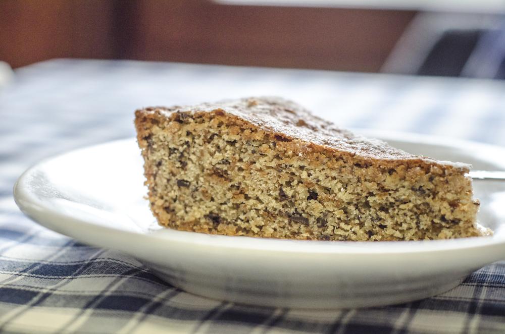 Almonds cake