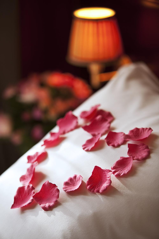 Foto:http://www.hotel-britannique.fr/blog/2011/02/24/lune-de-miel-celebration-nuit-romantique-2/