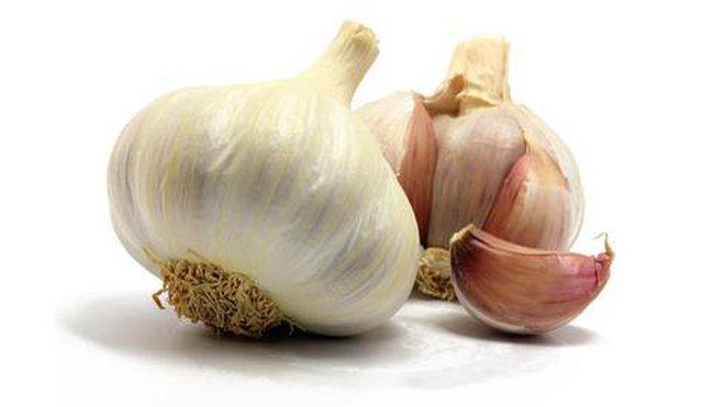Photo: http://www.leral.net/3-recettes-naturelles-de-l-ail-pour-lutter-contre-l-hypertension_a150285.html