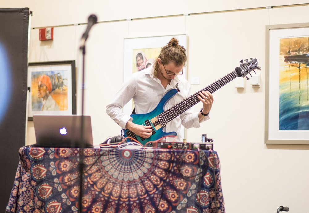 Trusko: Solo Looping Artist - Voice & Bass