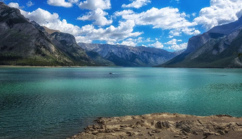 _P5274199-LakeMinnewanka-crop.jpg