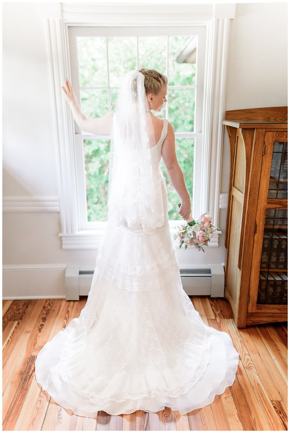 Della and Andrew Wedding Photos_Hendry House Arlington Virginia_Stephanie Kopf Photography_Northern Virginia Wedding Photography-6.jpg