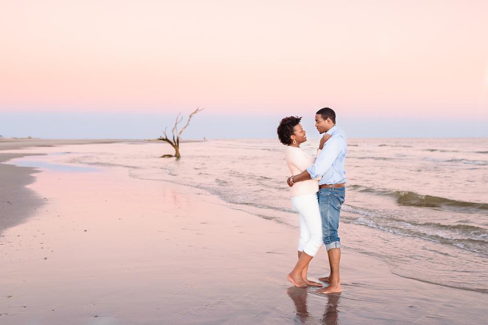 Folly Beach Sunset Engagement Photos_Charleston SC Photographer