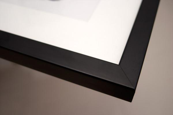 art-of-silk-matte-black-frame-corner-front_grande.jpg