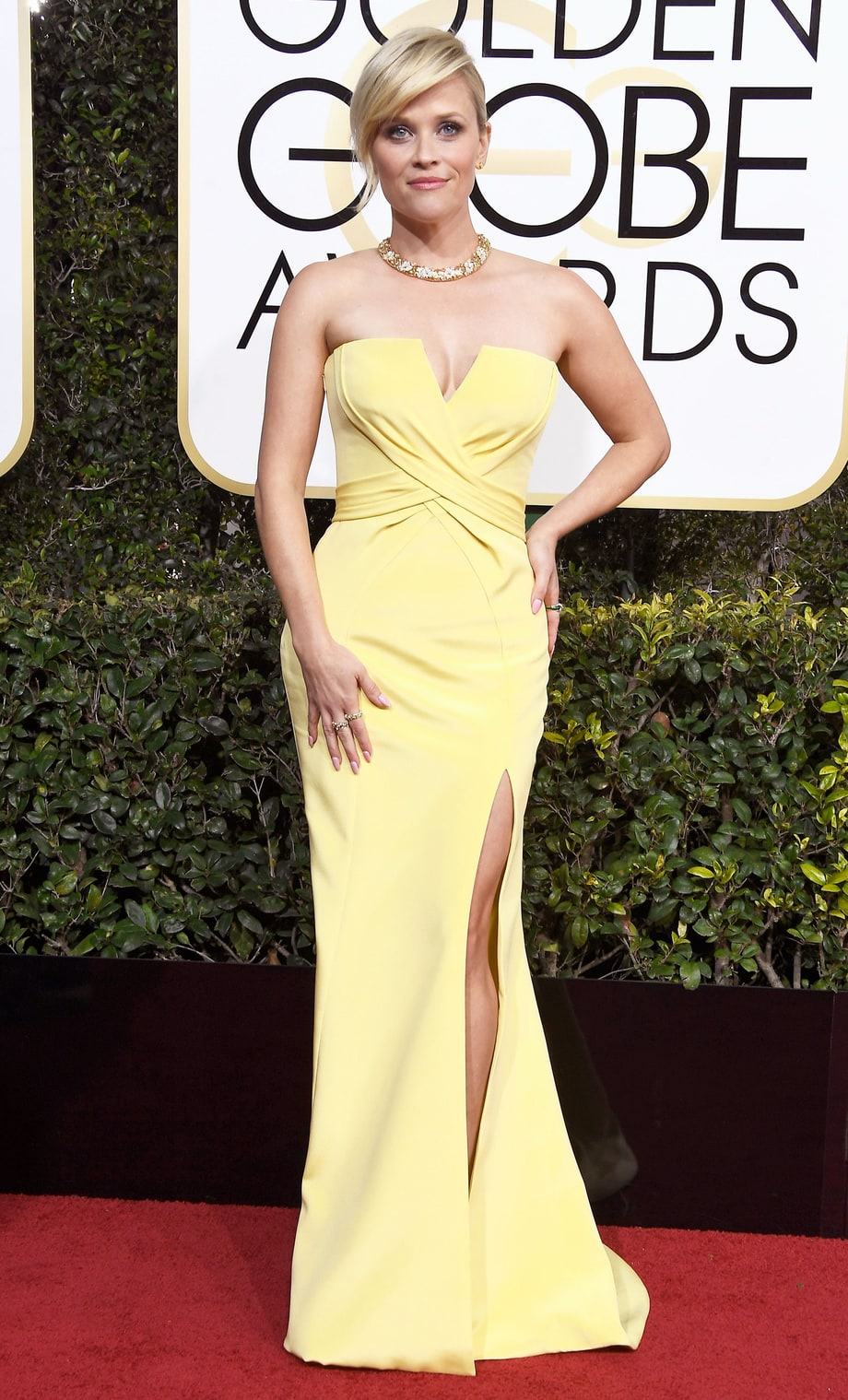 Reese Witherspoon in Ateliar Versace (Photo Credit: Frazer Harrison / Getty)