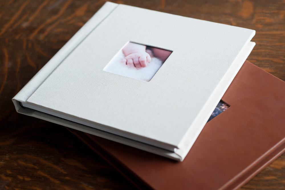 Linen and Synthetic albums are available with a cameo window on the cover.