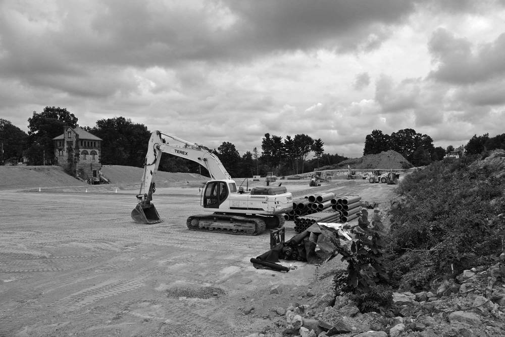140822-Construction-Photo-DSC_0477-bw.jpg