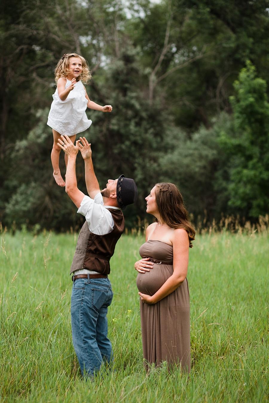 20150721MaternityHolmesLauren033_fort collins maternity photographer.jpg