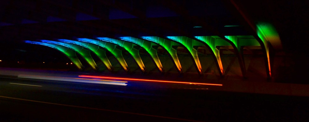 LED lighting on the Unser bridge